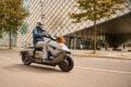 Il futuristico scooter elettrico di BWM sta diventando un prodotto reale
